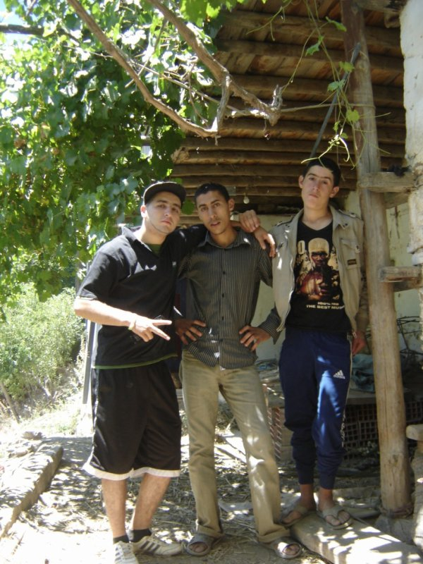yo con mis primos abdel y youssif