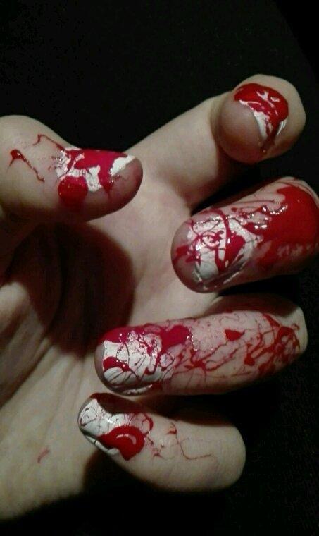 Nail art ''sanglant''