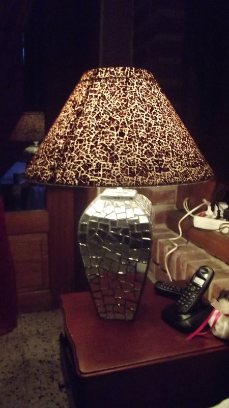 lampe mosaique pied en miroir et l 39 abbat jour en coquille d 39 oeuf blog de mikamosaic. Black Bedroom Furniture Sets. Home Design Ideas