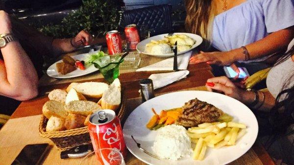 En Pleins Diner Avec Mes Deux Amours <3