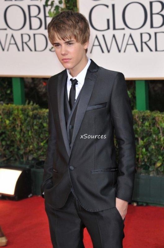 Justin Bieber est la star des ados, ce n'est plus à prouver. Mais le chanteur vise plus large ! Si tout se passe comme il le souhaite, son deuxième album devrait toucher un public plus âgé...