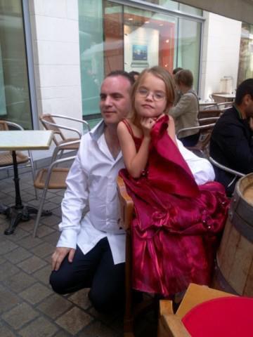 mon frère et sa fille ma princesse :)