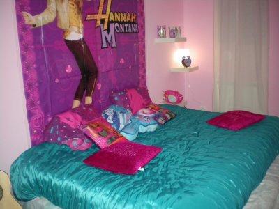 Pour Noel Nous Avon Refait Toute La Deco De La Chambre De Notre Miss Lili  En Chambre Hannah Montana Elle A Etait Ravie De Son Nouvel Univer Ainsi De  ...
