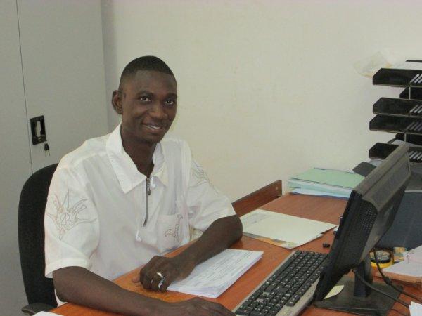 MY OFFICE / MON BUREAU