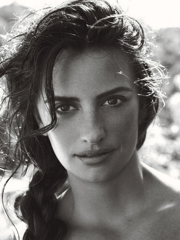 Penelope Cruz for Vogue US ( June 2011 )