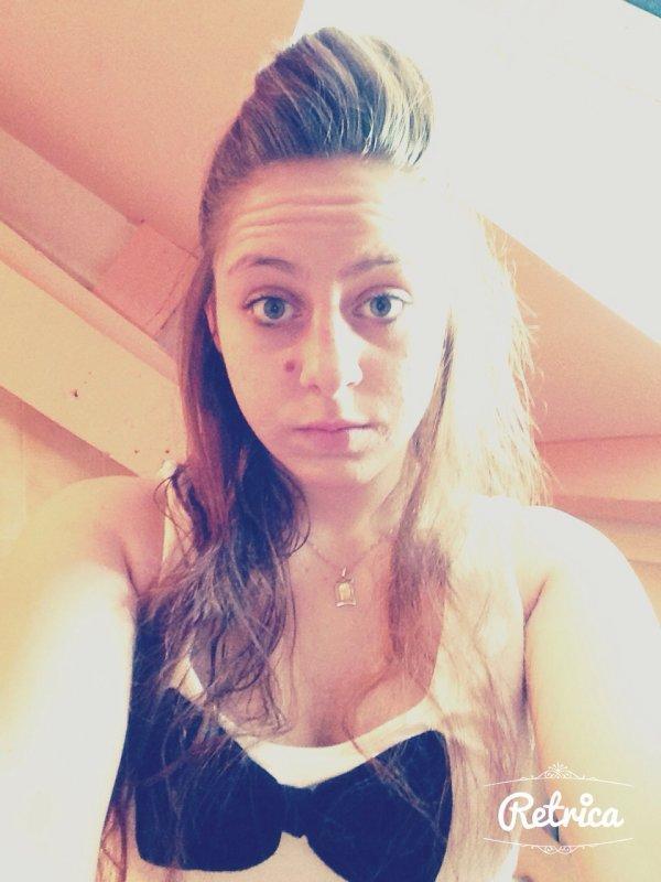 ...Aimer sans être aimer, pleurer sans être consoler, te voir partir sans pouvoir te retenir, voilà se que j'appelle souffrir ..❤