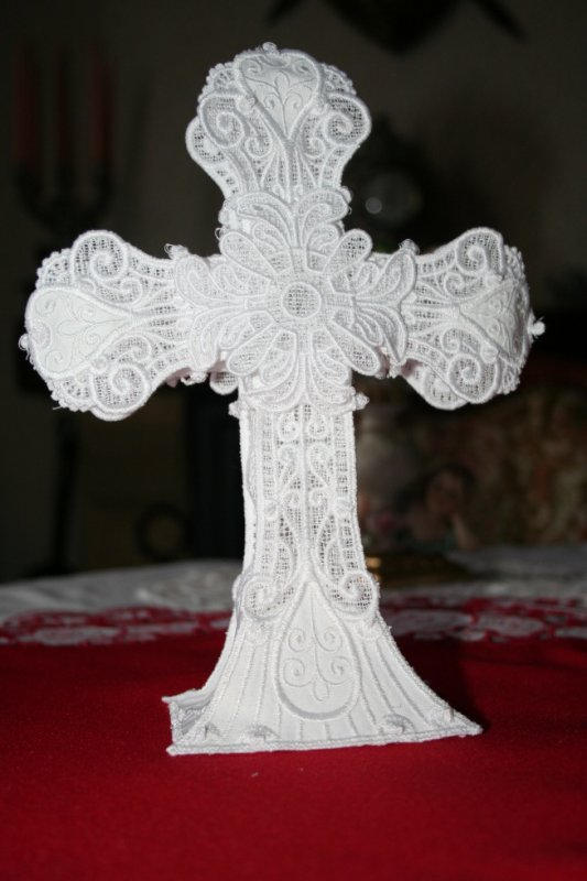 croix en broderie OESD