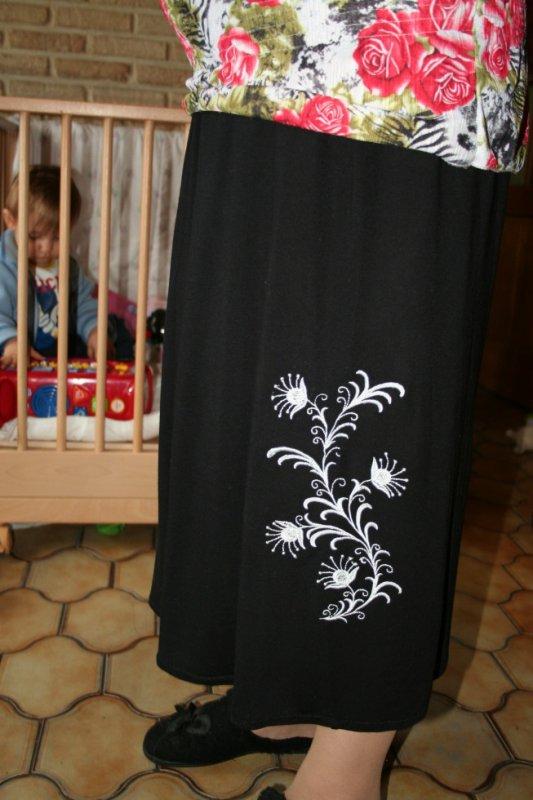 jupe brodée