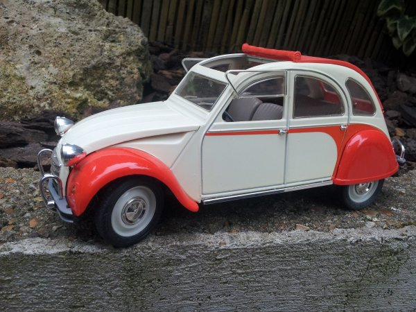 2cv Dolly Orange