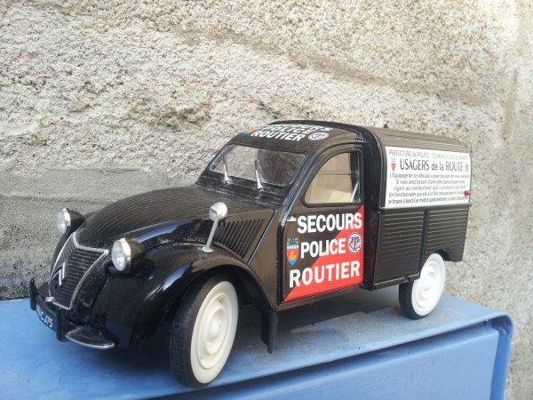 2cv Fourgonnette secours police routière