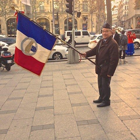 1000 Drapeaux sur les Champs Elysées