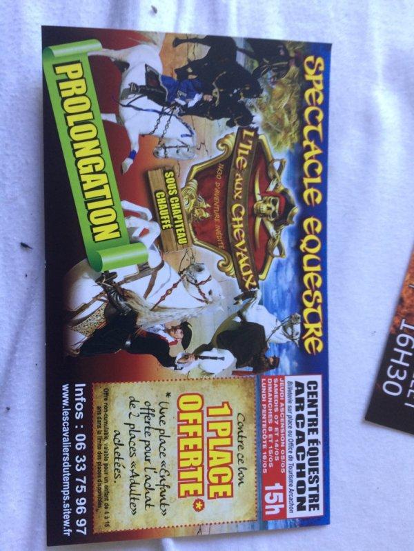 Urgent !!! Échange contre flyers Bouglione !!!