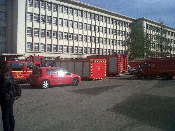 Anh lundi 1/04/12 les pompier o bahut