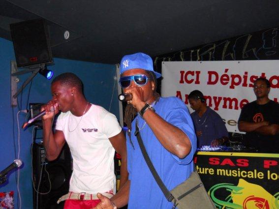 Sas prod fête la musique(Boss a gauche Slay a droite ka ozé) samedi 25 juin 2011 au bar le Baeubourg
