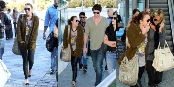 Mardi 21 Juin : Miley donnant un concert à Brisbane en Australie.