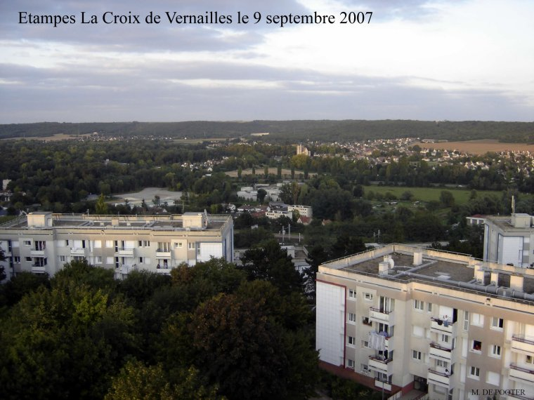 ETAMPES                                                                    LA    CROIX   de   VERNAILLES