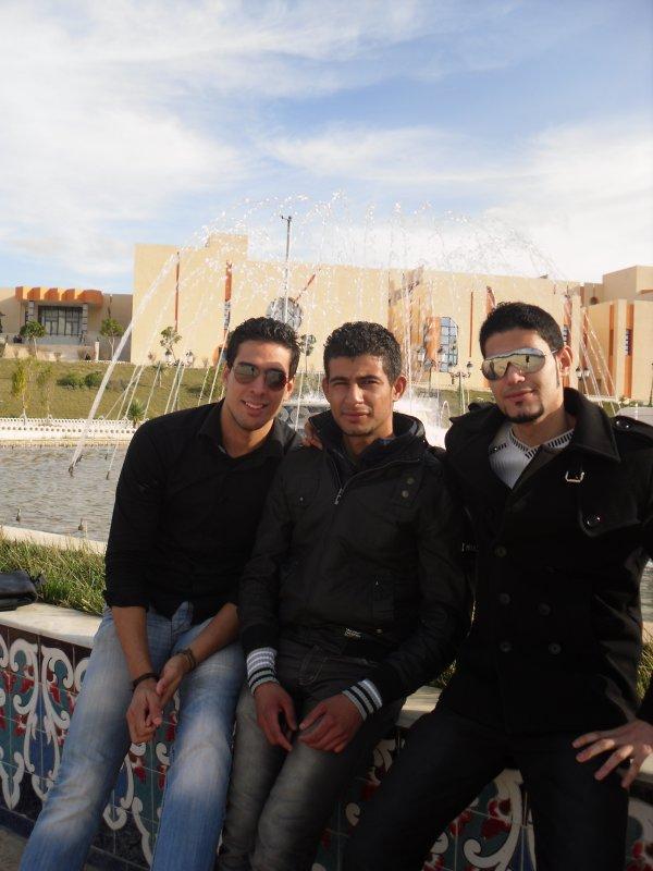 mon amis mouad et toufik et moi b sur a la rocade