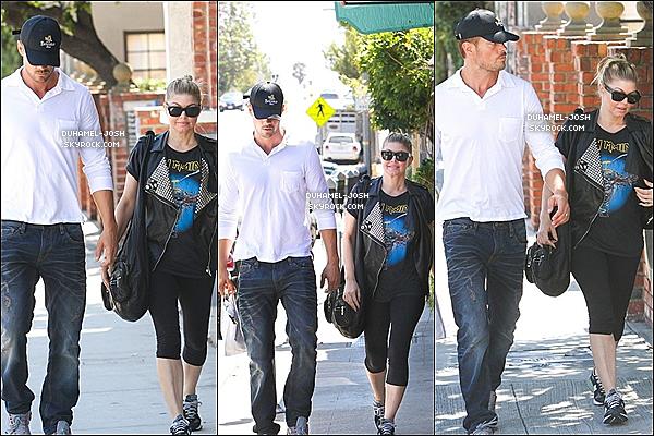 *27 / 08 / 12 - Notre beau Josh Duhamel à était apperçus allant déjeuner avec sa femme Fergie.  *