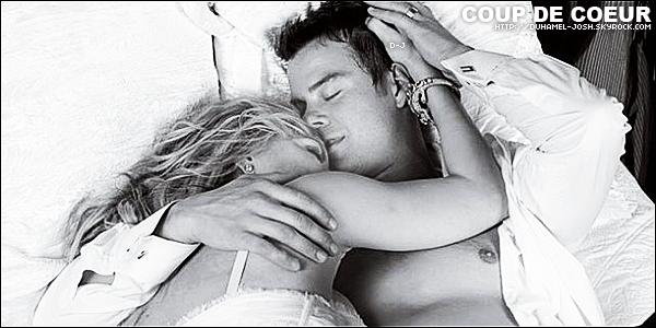 * Découvre ou redécouvre les photos du mariage de Josh et Fergie datant de 2009 de Stephen Shore  .   *