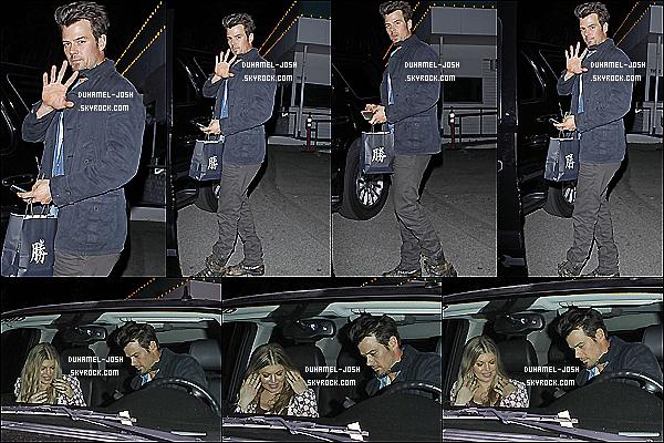 *21/12/13: Notre beau Josh Duhamel et sa femme Fergie ont étaient vu quittant dans la soirée le Katsuya.  Josh et Fergie ont étaient vu quittant le Katsuya après un diner + Plus tôt dans la matiné, Josh et son fils, Axl quittant le Early World Cafe . *