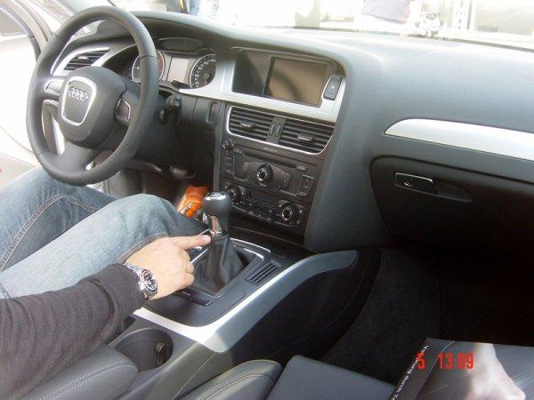 un beau tableau de bord de l 39 audi a4 de 2008 ma voiture. Black Bedroom Furniture Sets. Home Design Ideas