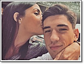 † We keep this love in photograph ♥  ♥  ♥ Héctor Bellerin                     ©arsenal-howmuch