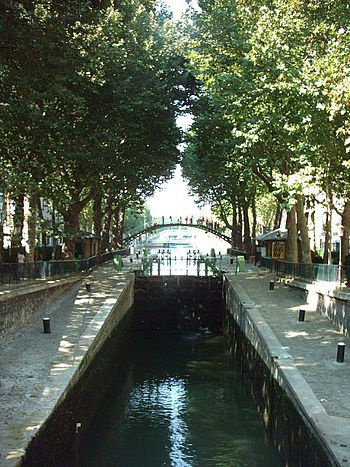 Quartier du canal Saint Martin où je suis  depuis de nombreuses années