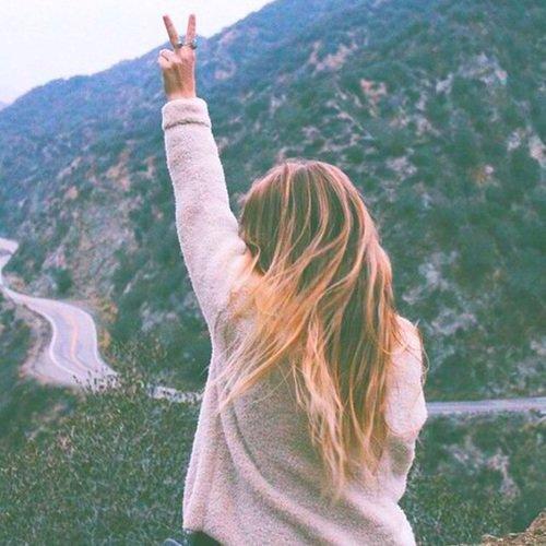 . ~ Nous avons deux vies : La deuxième commence le jour où l'on réalise que nous n'en avons seulement qu'une. ~