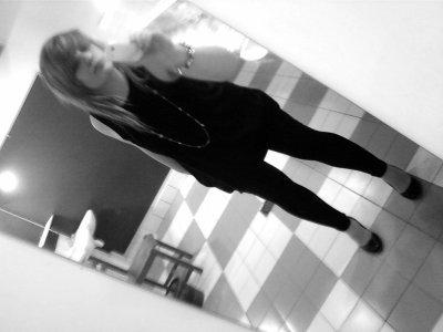 Jee Cheerche encOres cOmment m'échàpée ... Dee L'àmOuùr !♥