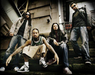 Untouchables / Wake Up Hate - Korn (2002)