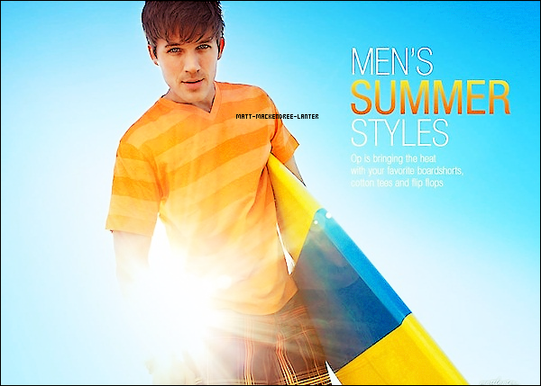 . Un photoshoot de Matt pour la campagne publicitaire OP. Avec Ashley Tisdale, Austin Stowell et Sarah Hyland. J'adore sa donne un avant gout de l'été !    .