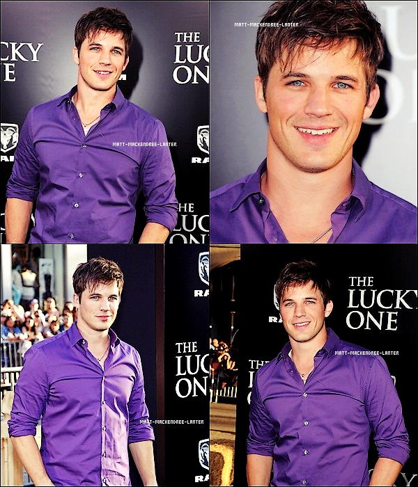 """. 16.04.2012 - Matt était présent à l'avant première de """"The Lucky One"""". J'aime beaucoup sa tenue, le violet sa lui va tellement bien, alors un gros TOP pour moi, et toi? TOP/BOF/FLOP?  ."""
