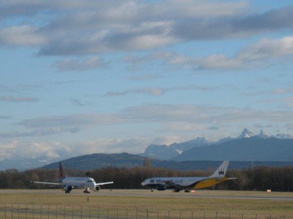 Deux beaux avions se croisent...