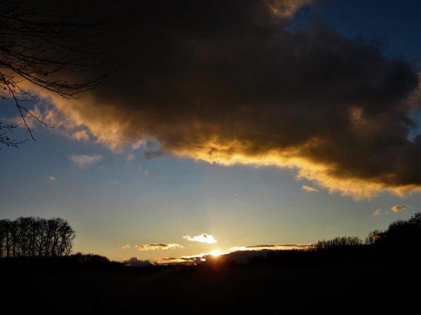 Ciel automnal...et Soleil du soir...