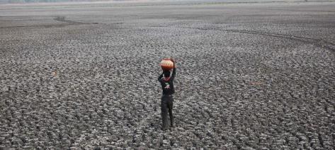 Climat: La Nina prend le relai d'El Nino, mais les catastrophes continuent