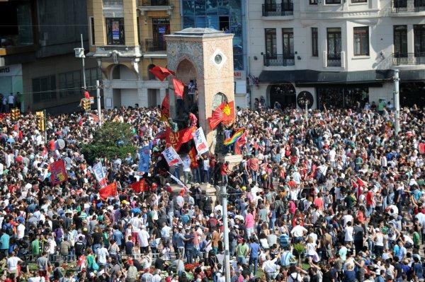 Solidaire d'une Turquie libre. Patrick Le Hyaric