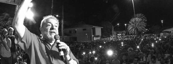 Brésil : Les syndicats et les avocats défenseurs des droits humains soutiennent Lula à l'approche de son procès-spectacle