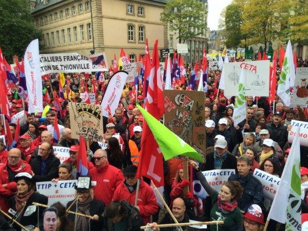 Stop-TTIP  4.000 personnes manifestent contre le TTIP
