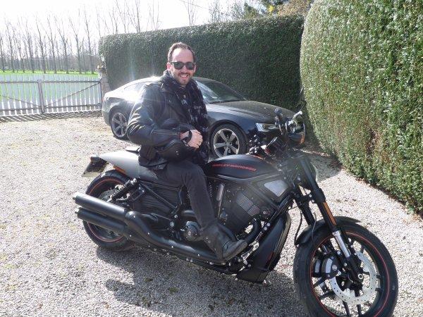 Je n'ai besoin de personne en Harley Davidson !!!