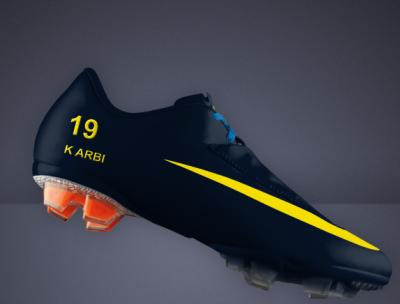 Nouveau soulier de foot  de Arbi Mohamed khalil avec  FC arsenal 2010/2011.