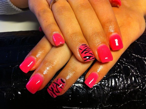 decoration ongle zebre
