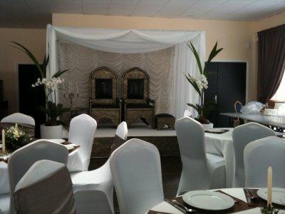 Décoration Taupe & Blanc.