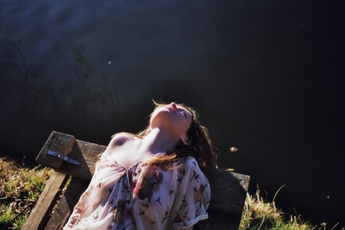 Faire de chaque jour un souvenir heureux. A la fin le bonheur est la seule chose que l 'on emporte avec soi.