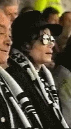 1999 - RENCONTRE NOCTURNE ENTRE MICHAEL ET QQ FANS