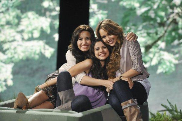 Demi, Selena et Miley <3 <3 <3