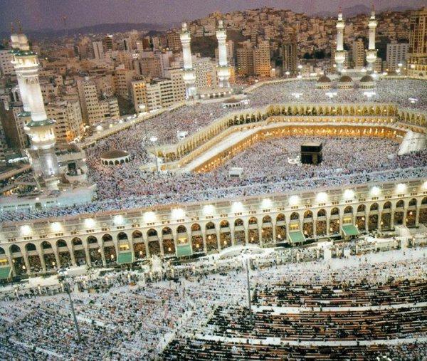 Que du Heiiiiir inch'Allah ! KHAMSA Fi EiNiKOUUUUM  LES MARONEURS ! . Comme quoi la vie ne coute rien, t' es jamais sur d' etre la d'main .. .