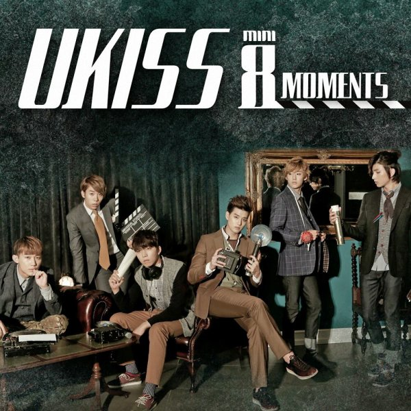 UKISS 8eme Mini - Moment
