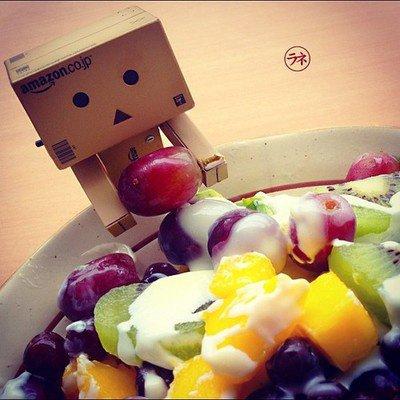 Danbo fait une salade de fruits