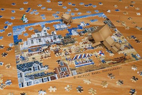 Danbo fait un puzzle