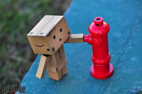 Danbo joue au pompier